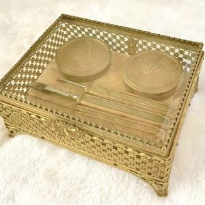 ✨HOST PICK✨Vintage Antique Gold Ormolu Vanity Box